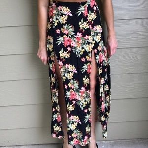 Floral Maxi Skirt with M Slit Forever 21